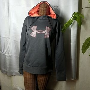 NWOT Under Armour semi fitted hoodie